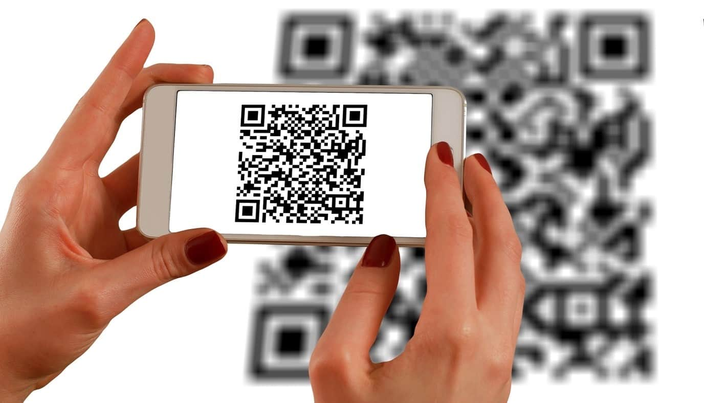 content/fr-fr/images/repository/isc/2020/9910/a-guide-to-qr-codes-and-how-to-scan-qr-codes-1.jpg