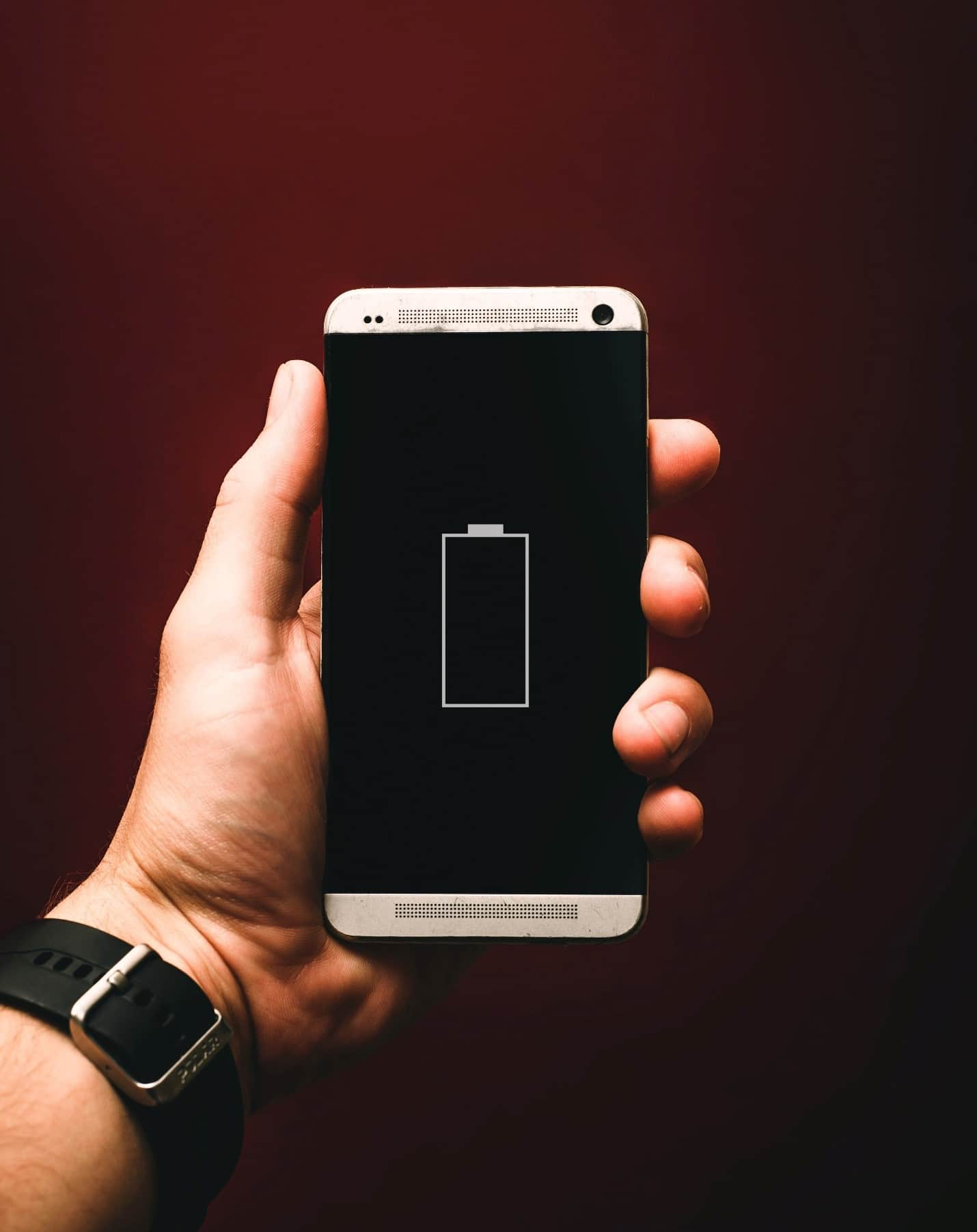 content/fr-fr/images/repository/isc/2020/9910/prolong-your-smartphone-battery-lifespan-1.jpg